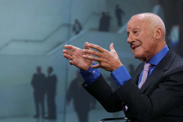 """""""How Much Does Your Building Weigh Mr Foster"""", el documental de Norman Foster"""